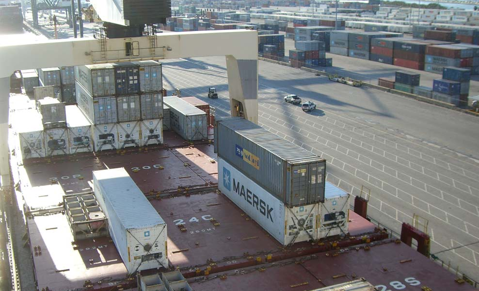 agder-ocean-shipping-norway-Container-loading-in-Miami